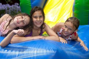 kids-on-water-slide